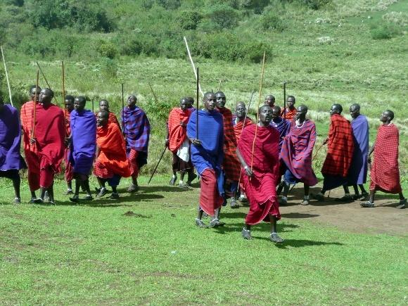 Gorillas in Rwanda, Migration in Tanzania!