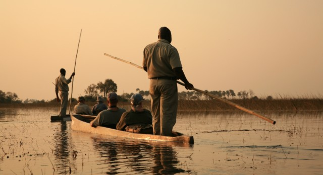 Mokoro boat rides at the Okavango Delta in Botswana, Africa with Enchanting Travels