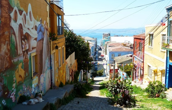 Valparaiso - Chile's Thriving Urban 'Graffiti'
