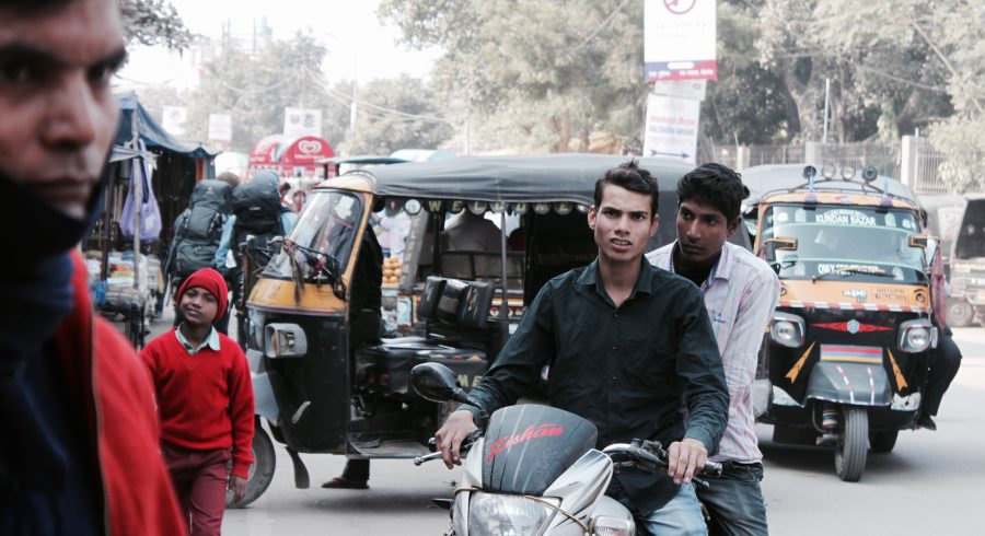 Straßenverkehr in Indien