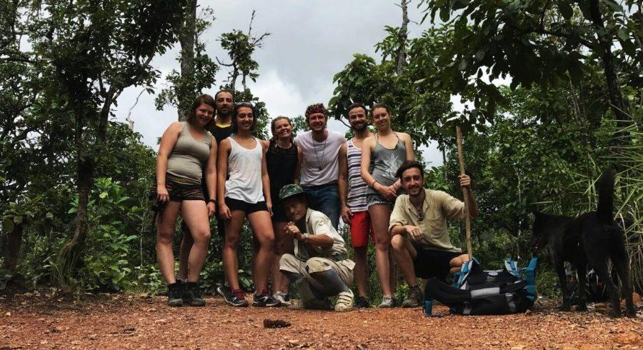 Thailand Reisebericht - Gruppenfoto mit den Einheimischen